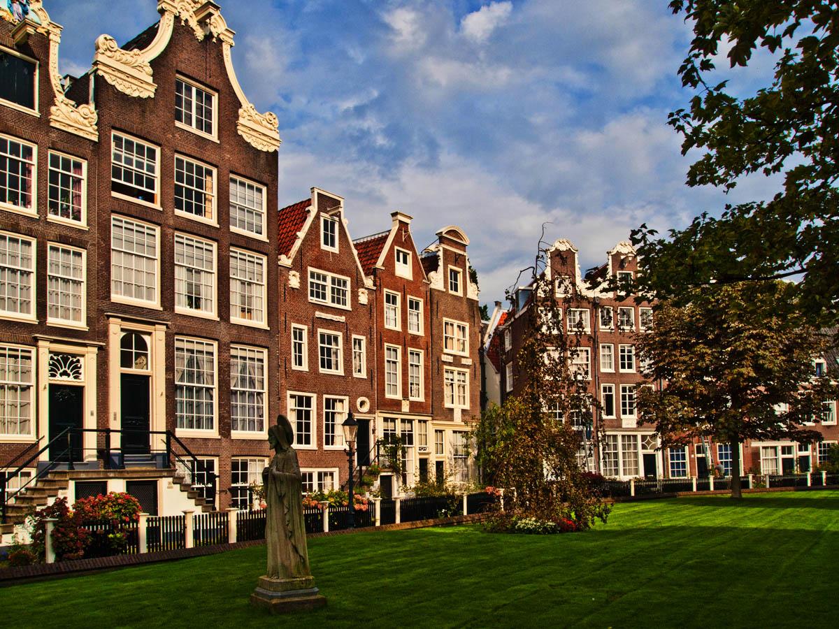 _9230789_Amsterdam_Tz.jpg